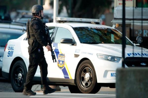 Cinco oficiales fueron liberados por el equipo de SWAT. Foto: Especial