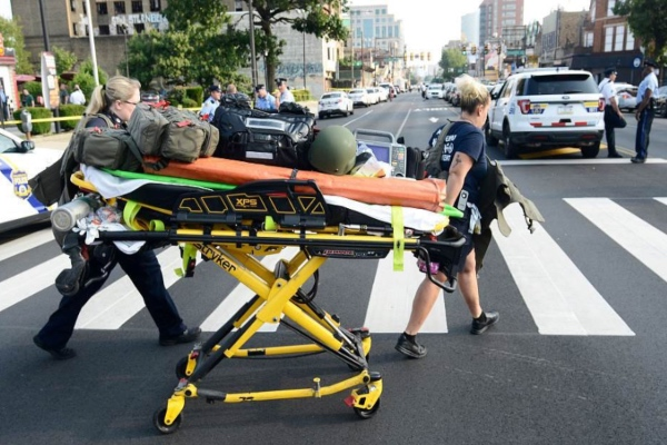 El presunto tirador tiene aproximadamente 36 y ya fue detenido por SWAT. Foto: Especial