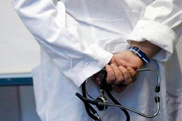Médico_recupera_libertad_enfrentará_proceso_abuso_sexual