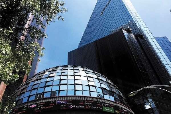 EFECTO. La Bolsa Mexicana de Valores resintió los efectos de la turbulencia financiera global. Foto: Federico Gama.