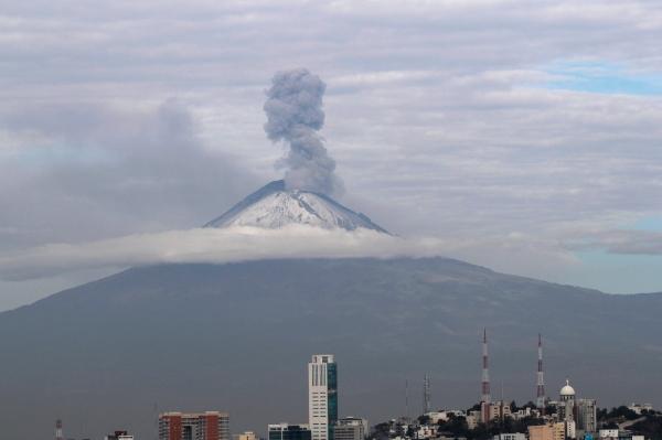 Las explosiones ocurrieron a las 10:28, 10:45, 11:30 y 12:01 horas de este jueves. Foto Cuartoscuro