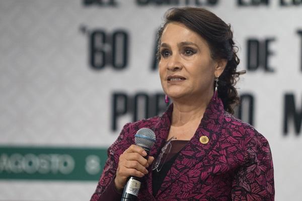 """La legisladora morenista Dolores Padierna destacó que """"respetamos nuestros ámbitos de trabajo. No mezclamos asuntos. Nos une el respeto a la justicia y el amor a México"""". Foto: Cuartoscuro"""