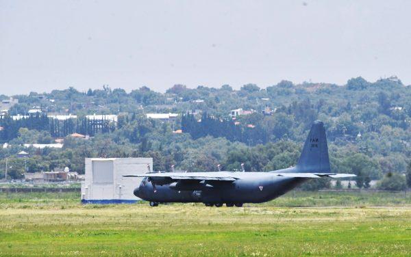 USO. Actualmente la Base Aérea de Santa Lucía aún es utilizada como instalación militar. Foto:  Pablo Salazar Solís.