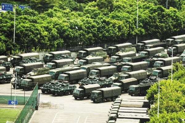 PELIGRO. China concentró sus fuerzas en Shenzhen, fronteriza con Hong Kong. Foto: AFP