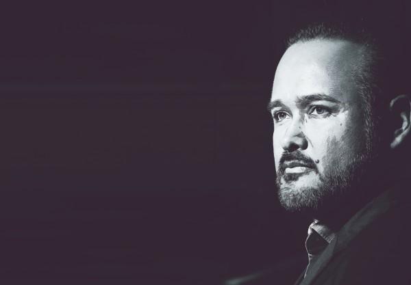 VERSÁTIL. El tenor ofrecerá en el FIC un repertorio con temas de José José y Agustín Lara. Ilustración: Norberto Carrasco