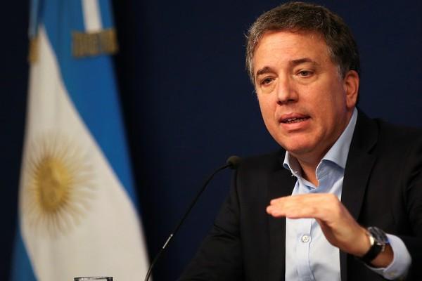 Ministro_Hacienda_argentino_dimite_terremoto_financiero_poselectoral