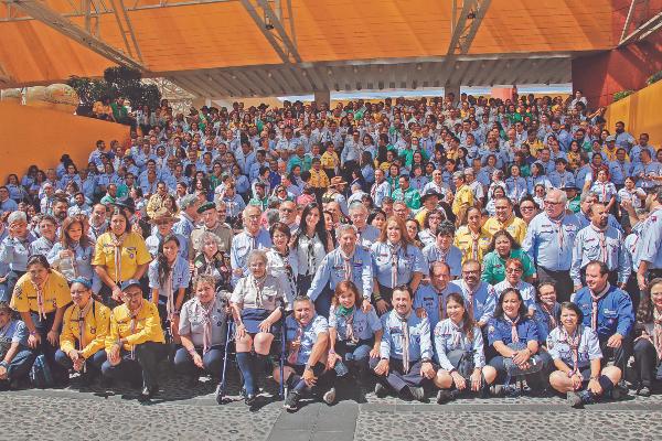 UNIÓN. Fabiana Briseño acompañó a líderes de la Asociación de Scouts, así como a los participantes de la junta anual. Foto: ENFOQUE