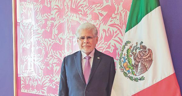 José Luis Bernal emajador