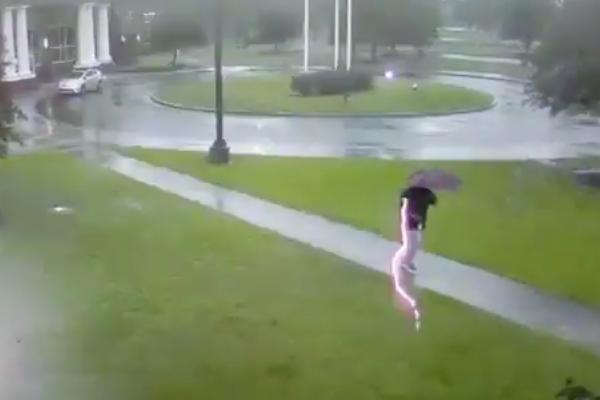 Tormenta rayo hombre video