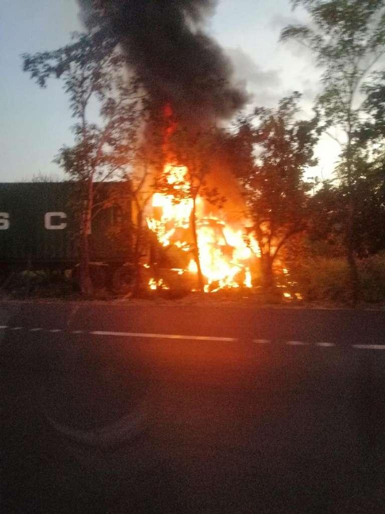 Accidente de trailer en Tamaulipas