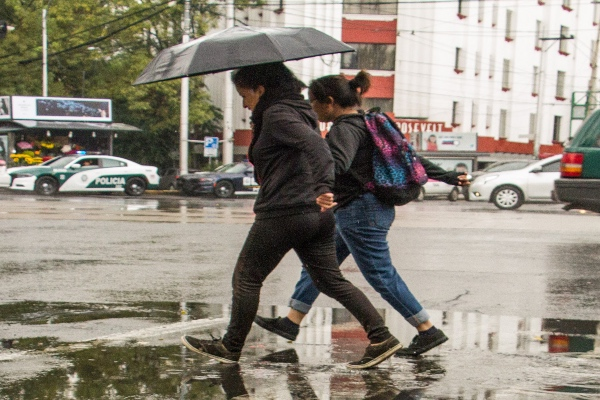 Debido al fortalecimiento de tormentas, se emitió Alerta Amarilla en nueve alcaldías de la Ciudad de México, reportó la Secretaría de Gestión Integral de Riesgos y Protección Civil. Foto: Cuartoscuro