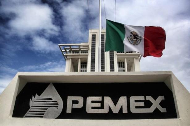 Pemex actual- mente extrae hasta 195 mil barriles diarios a través de esta técnica. Foto: El Heraldo de Saltillo