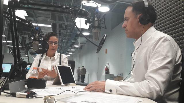 Michelle Fridman, en entrevista con Carlos Mota.