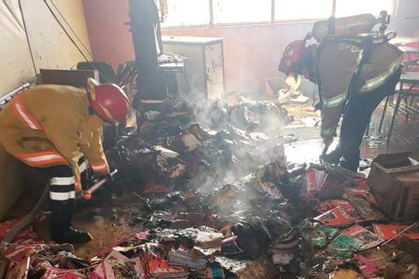 Roban_incendian_tres_escuelas_Pachuca