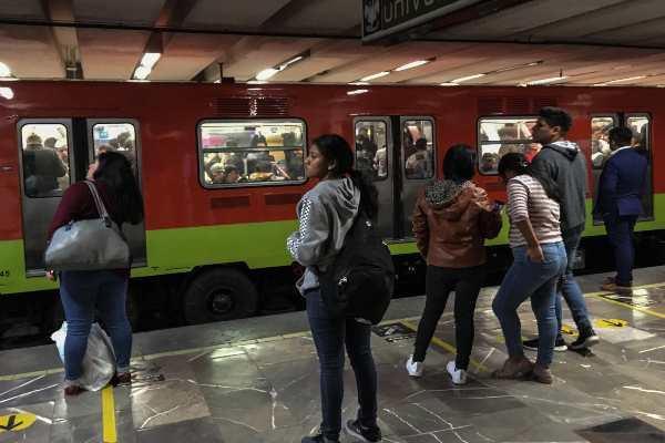 Metro reporta alta concentración de usuarios en la mayoría de sus líneas