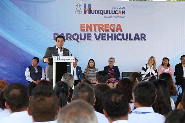Entregan_16vehículos_trabajo_operativo_Huixquilucan