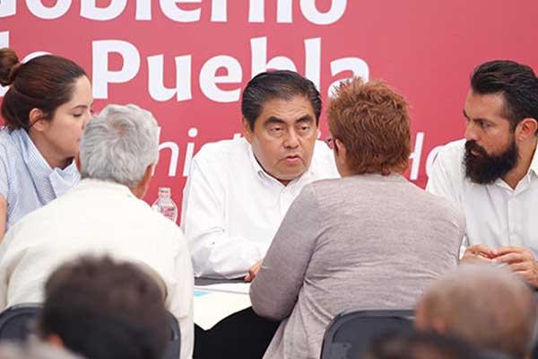 Ciudadanos_asisten_audiencia_pública_Gobernador_Puebla