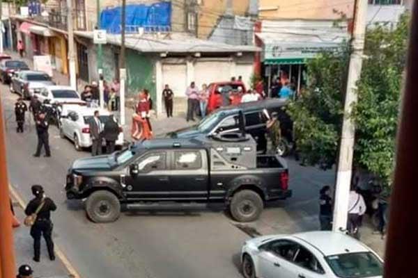 Realiza_Guardia_Nacional_operativo_palacio-municipal_Los_Reyes_La_Paz