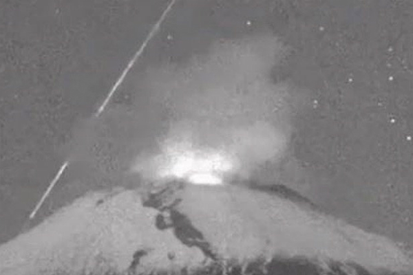 volcan_popocatepetl_meteorito_video_hoy