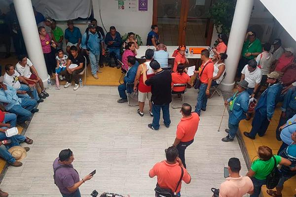 Trabajadores_sindicalizados_toman_presidencia_Manzanillo