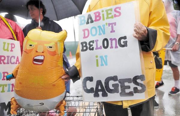 CONDENA. La separación de familias y detención de niños en jaulas han sido repudiadas en Estados Unidos. Foto: AP