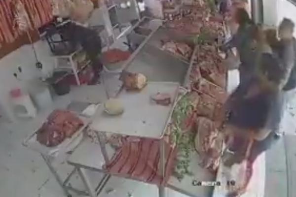 Carniceria_Señora_roba-carne_video_redes_sociales