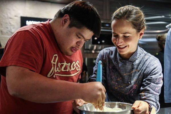 FINALIDAD. Unir a través de la cocina a amigos y familiares. Foto: Especial