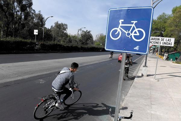 PLANES. El gobierno de la ciudad tiene proyectado 35 kilómetros más de ciclovías. Foto: Pablo Salazar