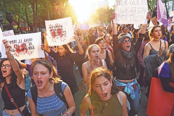 RECLAMO. Mujeres capitalinas han salido a las calles a demandar respeto y un alto a las agresiones en su contra. Foto: Especial.
