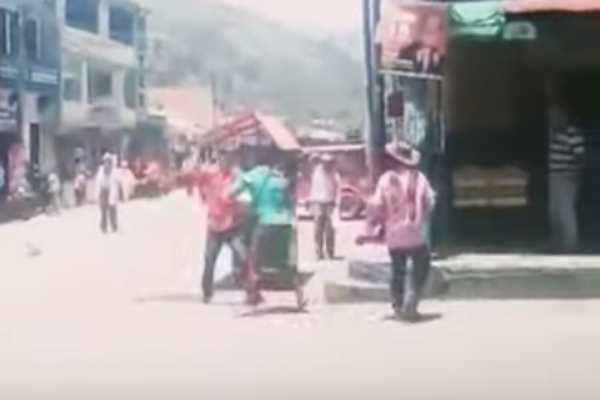 campesinos_pelean_amor_cuchilos_colombia