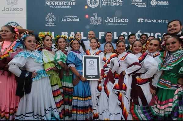 Este evento, convocado por la Cámara de Comercio de Guadalajara (Canaco), alcanzó dicho récord y recibieron la notificación de Carlos Tapia. Foto: Especial