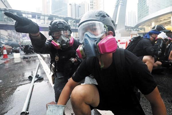 VIOLENCIA. Los choques con la policía se han incrementado. Foto: REUTERS
