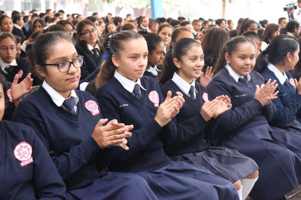 Este lunes regresaron a clases cerca de 1.3 millones de alumnos del nivel básico, distribuidos en más de 11 mil planteles.  Foto: Cortesía