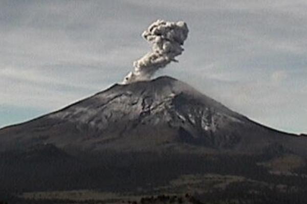Volcan_Popocatepetl_exhalaciones_explosiones