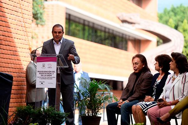 Destaca_Cuauhtémoc_Blanco_compromiso_desarrollo_académico_Morelos