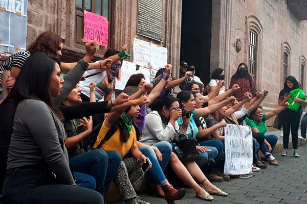 Marchan_ exigir_justicia_caso_reportera_agredida_Michoacán
