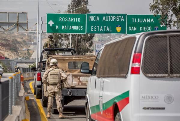25 millones 550 mil automóviles cruzan al año por la frontera de Tijuana hacia California. Foto: CUARTOSCURO