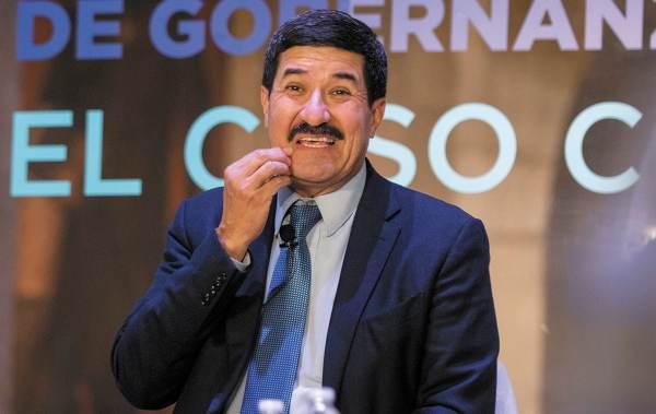 PROBLEMA. A pesar de disminuir el monto de la deuda estatal, Javier Corral no logra pagar. Foto: CUARTOSCURO