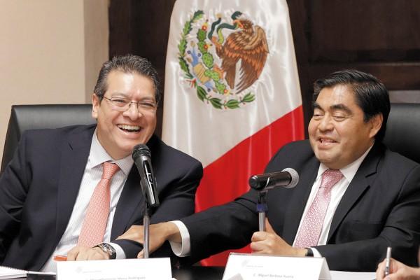ACUERDO. Los mandatarios signaron las bases de un acuerdo de trabajo conjunto. Foto: Enfoque
