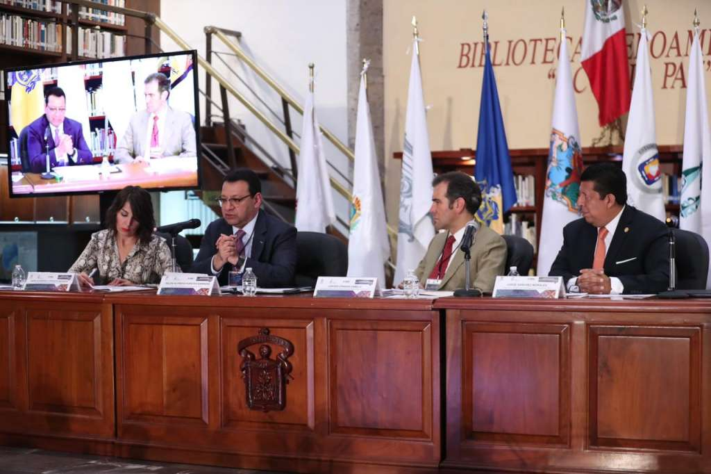 El magistrado participó en la ponencia principal junto al presidente del Instituto Nacional Electoral, Lorenzo Córdova. Foto: Especial