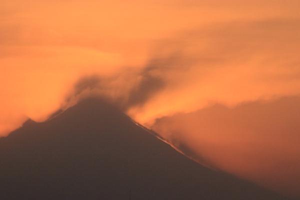 Graban impresionantes explosiones del Popocatépetl: VIDEO