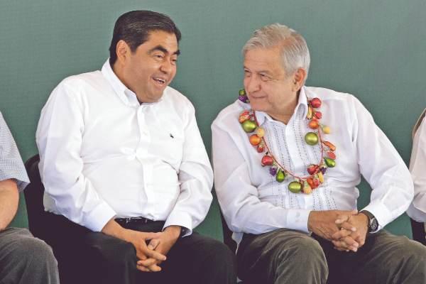 OPTIMISMO. Barbosa acompañó a López Obrador. Foto: CUARTOSCURO
