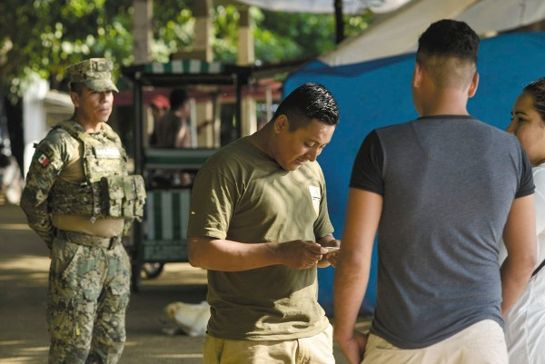 OPERATIVOS. Las revisiones militares y de personal de Migración se mantienen en Chiapas. Foto: Cuartoscuro