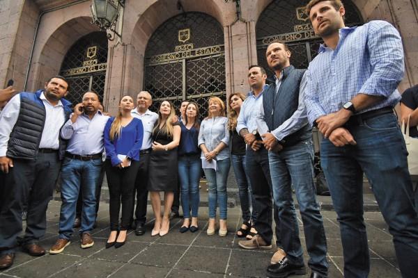 SOLICITUD. La fracción del PAN acudió a buscar al gobernador Cuitláhuac García. Foto: Jesús Ruiz