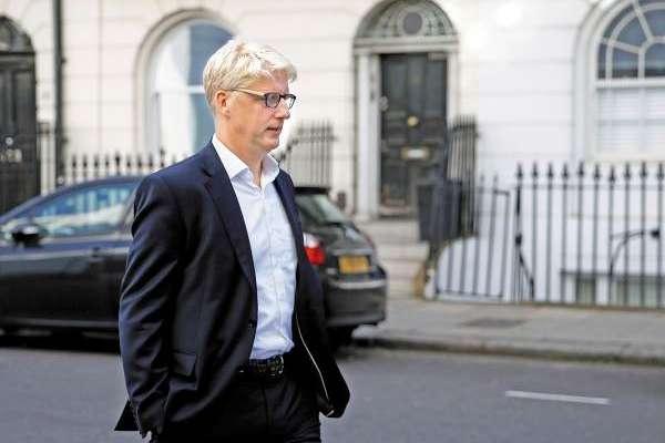 RETIRO. El exministro del Departamento de Educación, Jo Johnson, abandonó su hogar en Londres. Foto: CUARTOSCURO