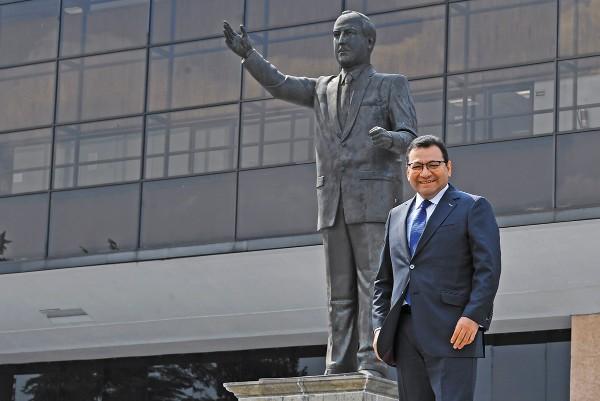 FRESCO. Felipe Fuentes recibió el encargo apenas en enero de este año. Foto: Pablo Salazar Solís