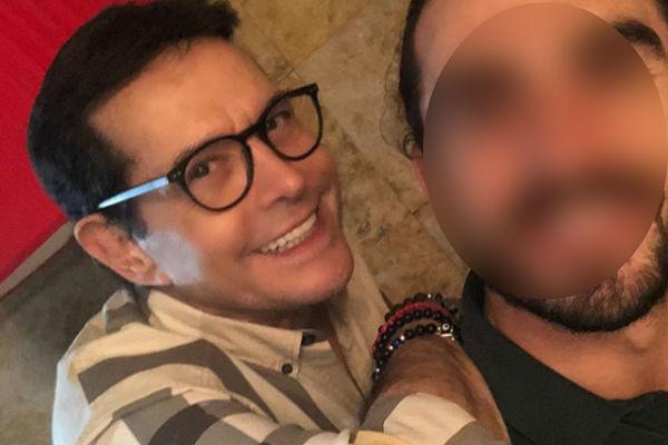 Juan José Origel comparte fotografía junto a misterioso hombre ¿quién es?