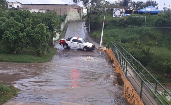 Se realiza el cierre a la circulación en prolongación Parres Arias al cruce de Av. Las Torres. Foto: Especial