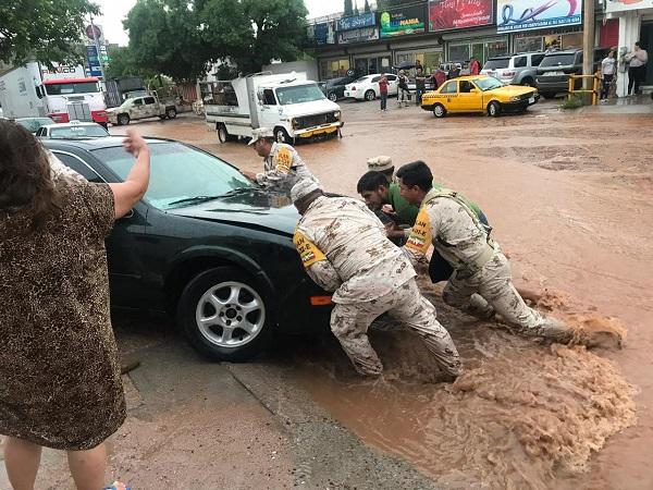 Elementos del Ejército Mexicano pusieron en marcha el plan DN-III-E 5 en auxilio a la población civil , con motivo de las fuertes lluvias y vientos que se registraron en el municipio. Foto: Cuartoscuro