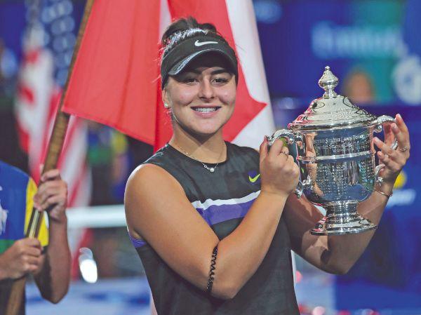 DE PIE. La talentosa jugadora recibió una sonora ovación del público estadounidense. Foto: REUTERS